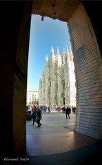 Milano (ioriogiovanni10) Tags: italy italia turista passeggiata foto photo photographer click fotografia gopro città milano duomo city