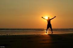 Jaco. (Orcoo) Tags: jaco costarica beach playa sun sunset mar backlight contraluz silueta