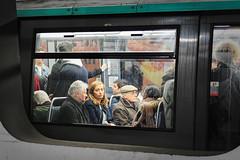 Une fenêtre sur le métro...Instants de cinéma parisien #31 (Paolo Pizzimenti) Tags: flaque reflet grandpalais surréel cinéma fenêtre métro olympus paolo paris zuiko 12mm f2 f18 film pellicule argentique 45mm