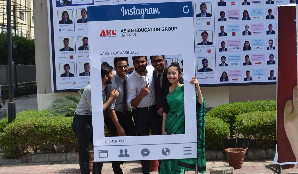 BBA/BCA students of Asian School of Business join Asian Education Group's #IPledgeMyVote campaign for a better India with full enthusiasm!