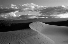 Dunes of delight (onefastbiker) Tags: deathvalley mesquiteflat sandunes california