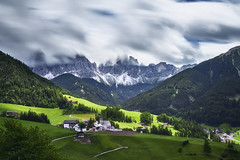 Val Di Funes Italie (EtienneR68) Tags: valdifunes landscape colors hills montagne mountain nature paysage dolomites dolomiti tree trees italie italy church funes voyage travel senic