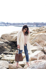 fringe cardigan, silk button down top, blush suede booties, bucket bag-9.jpg (LyddieGal) Tags: anthropologie thrifted spring oldnavy jeans fashion boots outfit blush white beach monogram denim gap connecticut weekendstyle style marleylilly wardrobe swap rayban joie tjmaxx