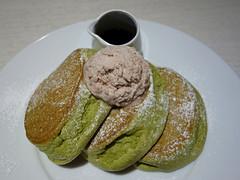 Fluffy matcha pancakes (fb81) Tags: japan kyoto happy fluffy jiggly souffle matcha green tea pancake breakfast dessert ice cream sauce food