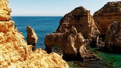 P1020286_DxOa (orciel95) Tags: lagos algarve portugal océan mer sea eau water falaise rocher stone colors green blue vert bleue