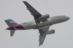 D-AGWA / Airbus A319-132 / 2813 / Eurowings (A.J. Carroll (Thanks for 1 million views!)) Tags: dagwa airbus a319132 a319100 a319 319 2813 v2524a5 eurowings 3c5ee1 london heathrow lhr egll 27r