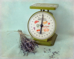 Vintage Kitchen Scale (JMS2) Tags: kitchtoolia smileonsaturday vintage kitchen scale lavender herb stilllife