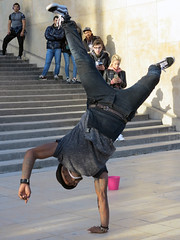 Upside down acrobat, balancing on one hand only (pivapao's citylife flavors) Tags: paris france trocadero streetartist