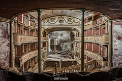 Teatro di Barlos (Quiet Unusual) Tags: quiet urbex unusual teatro theater old vintage classic abandoned barlos