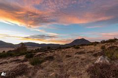 Sunset Puy de Dôme (Ben Mouleyre Photographie) Tags: auvergne auvergnerhônealpes sunset puydedôme coucherdesoleil couleurs ciel campagne volcans nisifilter nisi nisifrance canon canonfrance landscape paysage nuages cloud chaînedespuys
