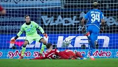 Bayern boost title hopes with Hoffenheim scalp (bestfreebettingtips) Tags: sportsoccerclubsoccersinsheimfeedroutedgermany sinsheim badenwuerttemberg germany deu sport soccer clubsoccer feedroutedgermany
