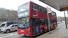 P1150059 VMH2566 LA68 DXB at Angel Station Upper Street Islington London (LJ61 GXN (was LK60 HPJ)) Tags: metroline volvob5lhybrid mcv evoseti mcvevoseti 105m 10490mm vmh2566 la68dxb nb971