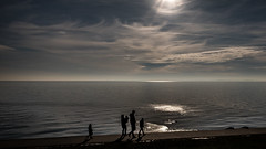 (ro_ha_becker) Tags: street strand landschaft landscape sea meer jadebusen sunset sonnenuntergang contrejour silhouette wilhelmshaven gegenlicht wolken clouds sky himmel