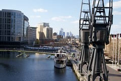 The London Docklands (Matthijs Borghgraef | Kwikzilver) Tags: matthijsborghgraef photography kwikzilver fotografie london canary wharf docklands docks skyline bridge water buildings city urban street