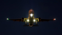 Vueling landing at night in LEBL (vic_206) Tags: bcn lebl night