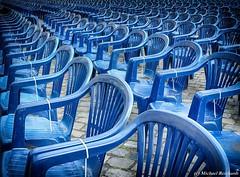 Blaue Stühle (Mike Reichardt) Tags: dwwg spielereien blau lessismore minimalism minimal abstract abstrakt