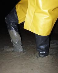 Nice deep mud! (essex_mud_explorer) Tags: black coarsefisher rubber thigh boots waders thighboots thighwaders rubberboots rubberwaders gates uniroyal hunter madeinscotland madeinbritain cuissardes watstiefel rubberlaarzen gummistiefel hellyhansen nusfjord rainwear raincoat mud muddy muddywellies muddyboots muddywaders creek estuary tidal estuarymud mudflats mucking muckingflats stanfordlehope thamesestuary