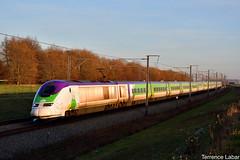 L'IZY 3224/3223 assurant un service pour Paris-Nord de passage à Petit-Enghien ce 26 décembre 2018. (Photographie ferroviaire) Tags: tgv eurostar tmst extmst lgv hst train