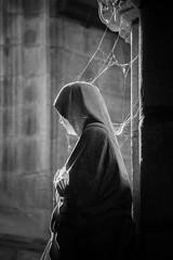 dans la toile (jerome2991) Tags: blackandwhite bretagne église chapelle toile prière portrait nikon bw