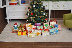 [Advent] - Gifts are waiting. (Moonrabbit_ly) Tags: christmas miniature christmastree diorama rement dollhouse doll toy