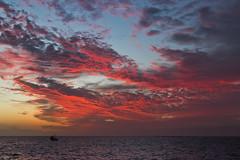 Sundowner (Rita Eberle-Wessner) Tags: meer ocean sea atlantik atlanticsea sky himmel wolken clouds sonnenuntergang sunset sundowner ship schiff fischerboot kanarischeinseln kanaren canaryislands lapalma tazacorte puertedetazacorte spain spanien