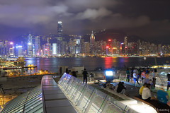 "Hong Kong West Kowloon Station ""Sky Corridor"" (tomosang R32m) Tags: 西九龍高鐵站 天空走廊 維港夜景 西九龍 港鐵 柯士甸站 觀景台 尖沙咀 中環 綠化空間 緑化空間 西九龍駅 展望台 hongkongwestkowloonstation greenplaza highspeedrail station hongkong westkowloon train tsimshatsui central victoriaharbour architecture 維多利亞港 夜景 yakei night 香港 九龍 kowloon austin skycorridor"