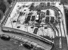 (Tobias Dander) Tags: tobiasdander kassel germany deutschland snow cars baumbachstrasse tracks canon70d blackandwhite bnw bw zwartwit winter monochrome