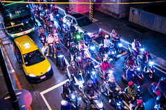 Crosstown Traffic (Michael Goldrei (microsketch)) Tags: 2018 autumn leicam asia street birdseye city traffic lights photos above road oct wait fuji motorcycles far yellow photo mp herbst birds documentary urban roc 240 summilux formosa leicalovers 14 35 taipei darkness 35mm china photographer st north photography from night october eye mp240 east leicacamera taiwan asph time roads taxi motorcycle capital light mopeds after okt leicamtyp240 18 waiting dark northern leica typ240 nighttime oktober republic typ