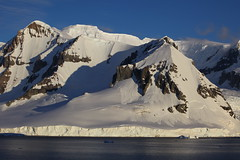 IMG_6895 (y.awanohara) Tags: cuvervilleisland cuverville antarctica antarcticpeninsula icebergs glaciers blue january2019