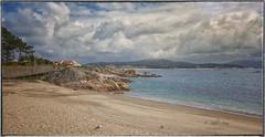(048/19) Lugares soñados (Pablo Arias) Tags: pabloarias photoshop ps capturendx españa photomatix nubes cielo arquitectura mar agua arena paisaje playa costa sanvicentedomar ogrove galicia