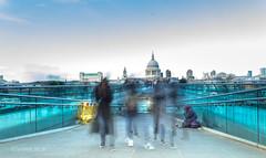 Busy Millennium Bridge (darleenboettger) Tags: london millenniumbridge millennium bridge busy blury