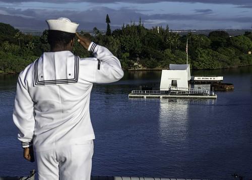 USS Essex (LHD 2) pulls into Pearl Harbor.
