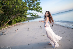 DSC_7511 (Robin Huang 35) Tags: 謝立琪 kiki 沙巴 sabah 馬來西亞 malaysia 迪加島 生還島 island 海灘 沙灘 海邊 beach 裸紗 遊拍 人像 portrait lady girl nikon d850 menumbok my