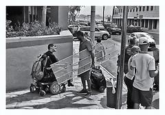 Fotografía Callejera (Street Photography) (Samy Collazo) Tags: pentaxauto1101978 pentax11024mmf28 pentaxmini pentax aristaedu100 sanjuan oldsanjuan viejosanjuan puertorico bn bw