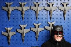 Batman and VFA 27 (Studio d'Xavier) Tags: werehere airplanes batman fa18s f18s hornets aircraft 461482