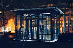 postgalerie-karlsruhe-parken (elmar theurer) Tags: karlsruhe postgalerie drwho doctorwho tardis architektur nacht night illumination beleuchtung architecture