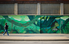 Lurking gorilla (Chiaro Chiari) Tags: green murales verde gorilla milano milan italy italia colors colori spray street art arte strada