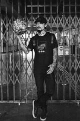 TianJin Street Artist - Harry (von Calven Lee) Tags: leica blackandwhite hongkong artist tianjin streetphotography streetartist 11310
