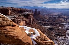 Arch Top (Bill Bowman) Tags: canyonlandsnationalpark canyonlands islandinthesky mesaarch washerwomanarch lasalmountains whiterims utah