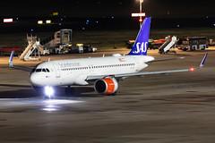 SE-DOY Scandinavian Airlines (SAS) Airbus A320-251N (buchroeder.paul) Tags: eddl dus dusseldorf international airport germany night ground sedoy scandinavian airlines sas airbus a320251n
