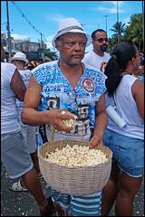 Pipoca (wilphid) Tags: bonfim lavagemdobonfim comercio cidadebaixa salvador bahia brésil brasil religion défilé rue procession fête personnes