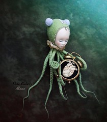 Heart 💚 (pure_embers) Tags: mono doll dolls uk england pure laura embers pureembers girl green octo sprout octopus art shirrstoneshelter shirrstone shelter soul porcelain underwater photography heart clock mysouldesign