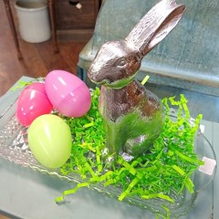 A simple and sweet centerpiece or a gift..... Add a bunny and some Easter eggs to any small tray. #thefunkysister #easter #easteregg #centerpiece #egghunt #easterbunny #lincoln #lnk (The Funky Sister) Tags: instagram the funky sister