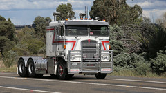 Cabover KENWORTH Brothers (1/6) (Jungle Jack Movements (ferroequinologist)) Tags: k123 k100 k 125 121 k121 kw kenny kenworth single ken highway hauling haulin hume sydney 2019 yass classic historic vintage veteran hcvca vehicle run hp horsepower big rig haul haulage freight cabover trucker drive transport delivery bulk lorry hgv wagon nose semi trailer deliver cargo interstate articulated load freighter ship move roll motor engine power teamster tractor prime mover diesel injected driver cab wheel