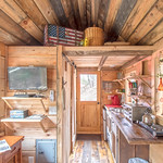 """Cabin in Tennessee <a style=""""margin-left:10px; font-size:0.8em;"""" href=""""http://www.flickr.com/photos/132885244@N07/47519694442/"""" target=""""_blank"""">@flickr</a>"""