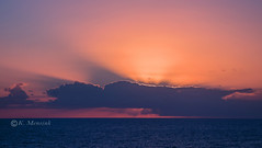 Behind the clouds (katrinchen59) Tags: sunset sunrays clouds darkclouds sky beautifulsky horizon skyphotography orangesky caribbeansea sonnenuntergang sonnenstrahlen wolken dunklewolken abendhimmel horizont wollkenfotografie zonsondergang zonnestralen avondlucht