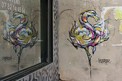 Horor_5354 rue Saint Maur Paris 11 (meuh1246) Tags: paris animaux streetart horor ruesaintmaur paris11 oiseau flamantrose