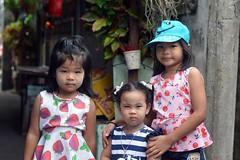 pretty girls (the foreign photographer - ฝรั่งถ่) Tags: pretty three children khlong lard phrao portraits bangkhen bangkok thailand nikon d3200