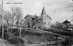 tm_11064 (Tidaholms Museum) Tags: svartvit positiv bostadshus exteriör exterior building byggnad vykort postcard