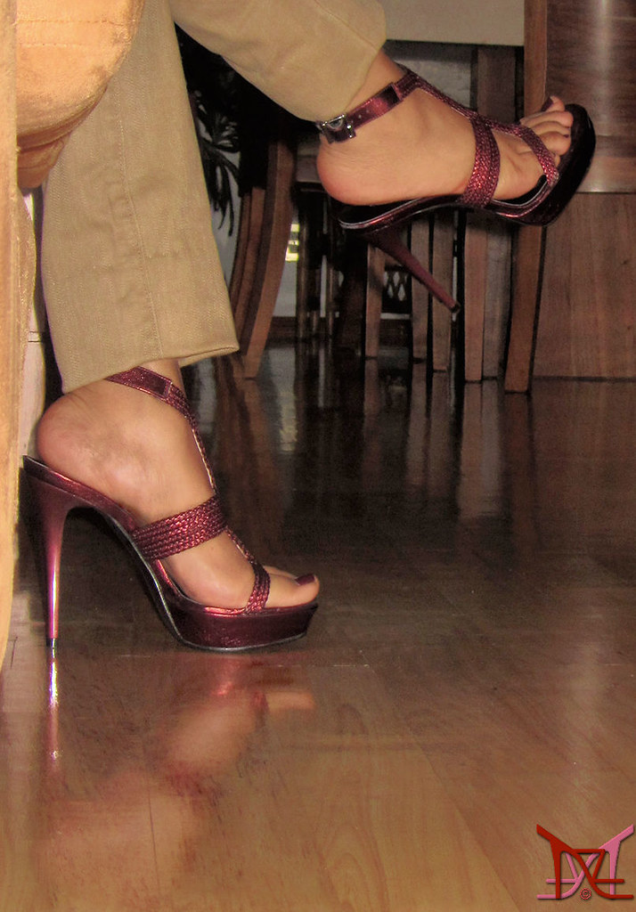 amateur mature in heels